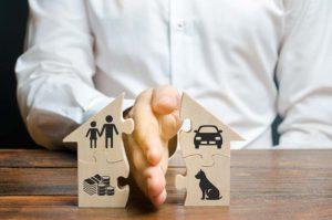 למי שייכת דירת המגורים בגירושין?